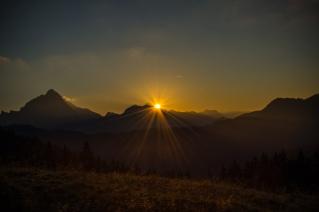 sunrise over the Lahngangalm